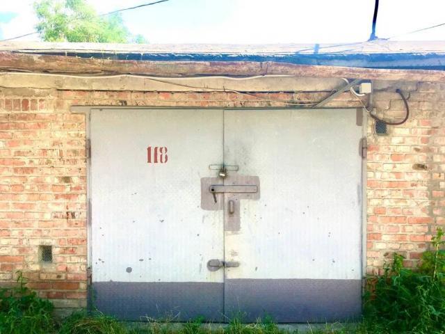 Продаю цегляний гараж