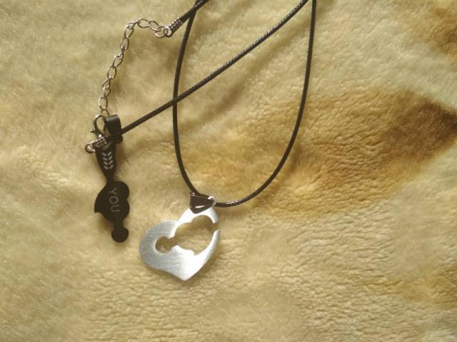 Продам ожерелье для пары