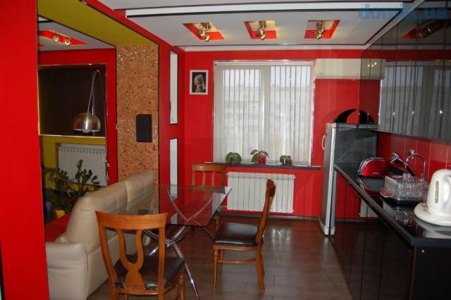 Продам квартиру-студию Студенческая 520 м/р мебель и дорогой ремонт