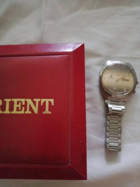 Годинник  орієнт