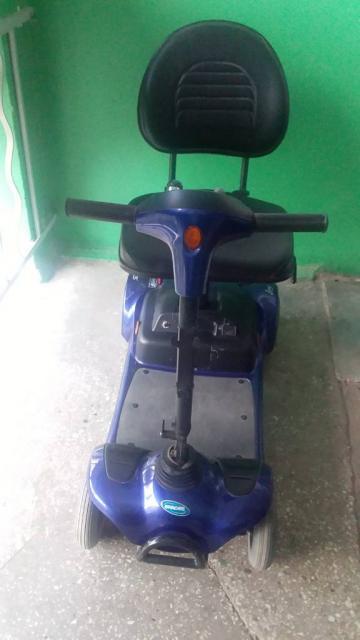 Електрична інвалідна коляска