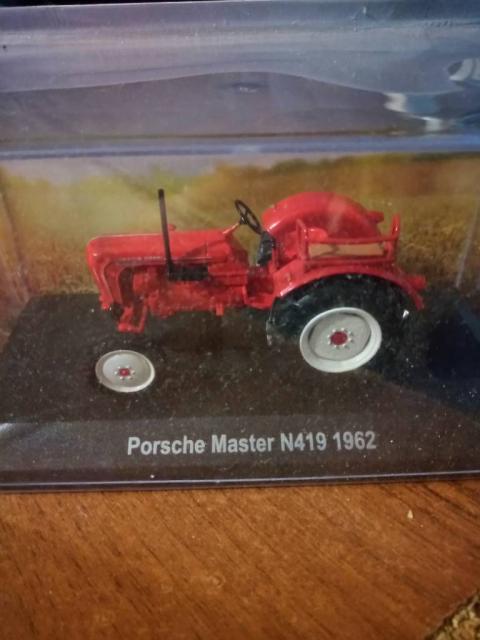 Коллекционные модели трактора