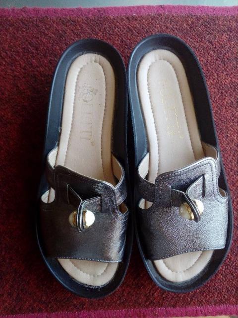 Взуття літнє