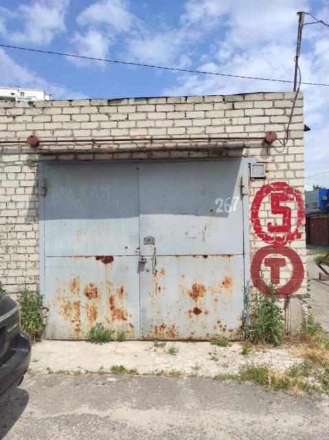 Продам капитальный кирпичный гараж