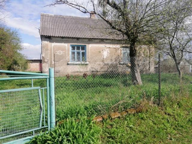 Продам будинок в селі Пугачівка 30 км від Луцька