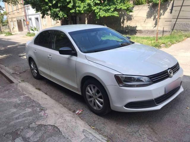 Volkswagen Jetta – надежный автохит