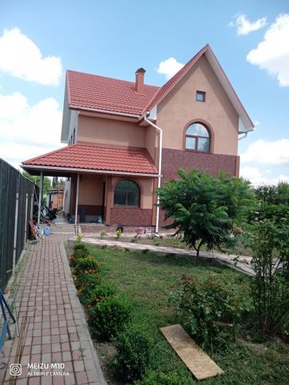 Продается красивый дом в селе Глыбоком Бориспольский район