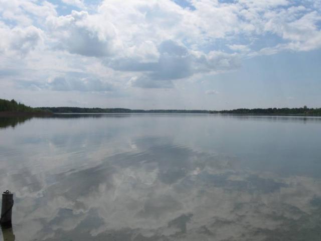 Відпочинок на озері Луки з кришталевою водою